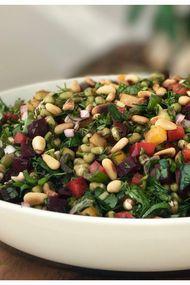 Maş fasulyeli gökkuşağı salatası