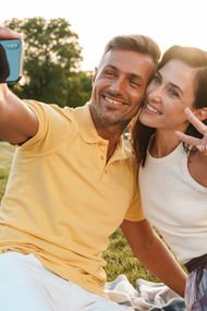 Mutlu çiftler ilişkilerini sosyal medyada paylaşmıyor!