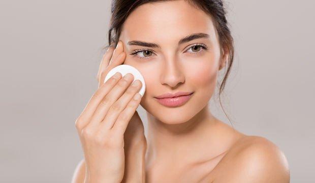 Uyumadan önce makyajınızı iyi temizleyin!