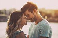 İyi bir erkekle birlikte olduğunuzun 15 işareti