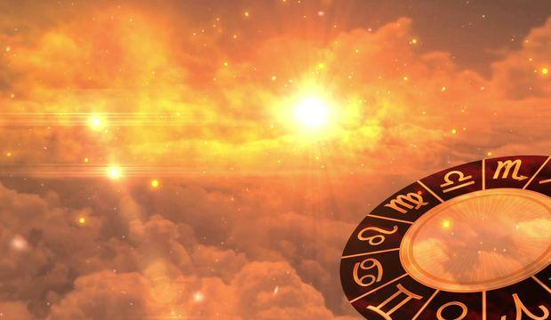 Jüpiter - Plüton dik açıda!