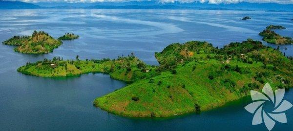 1- Kivu Gölü,Ruanda/Demokratik Kongo Cumhuriyeti Görünüşte çok huzurlu olan bu gölün ölümcül olmasının sebebi karbondioksit ve metan gazlı tabakalarının olması. Gerçekleşecek olan en ufak deprem bile çok büyük bir patlamaya ve bu da Kivu çevresinde yaşayan 2 milyon insanın tahliyesine neden olabilir.