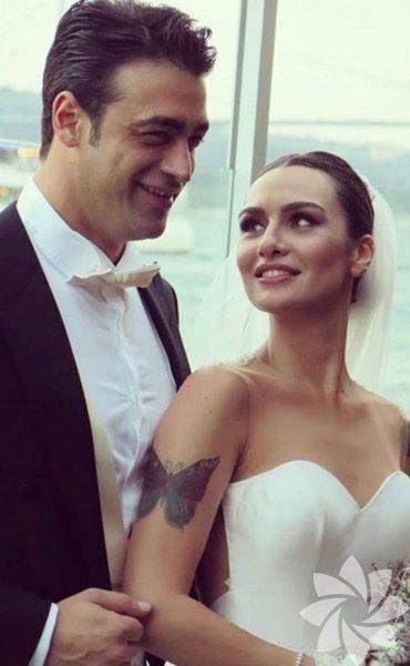 Birce Akalay - Sarp Levendoğlu 1 Ocak 2014'te evlenen ünlü çift 10 Ocak 2017'de anlaşmalı olarak boşandı.