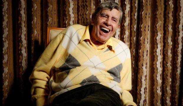 Ünlü komedyen Jerry Lewis hayatını kaybetti!