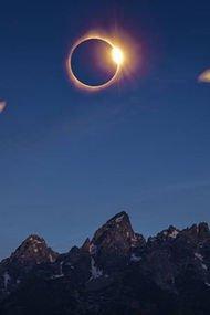 Tam Güneş Tutulması'ndan ilk fotoğraflar