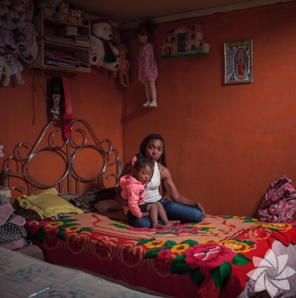 Karen Maila  13 yaşındaki bekar bir anne olan Karen Maila, Ekvador'da yaşıyor. Maila'nın 7 kardeşi var. Okul hayatını bırakmayan Karen okumak için her sabah saat 4.30'da uyanıyor ve bilgisayar bilimi okumak istiyor.