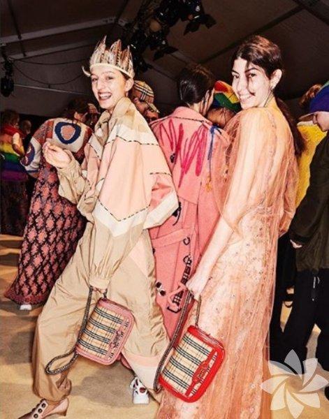 Farklı güzelliği ve düzgün fiziği ile modacıların dikkatini çeken Öykü Baştaş, Londra Moda Haftası'nda podyumdaydı.