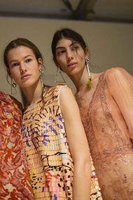 Instagram'dan Gucci defilesine uzanan yolda Öykü Baştaş