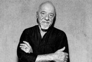 """Paulo Coelho: """"Neden bütün bu kitapları evimde tutayım ki?"""""""