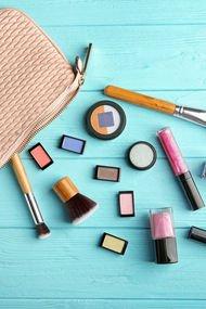 Makyaj malzemeleri nasıl taşınmalı?