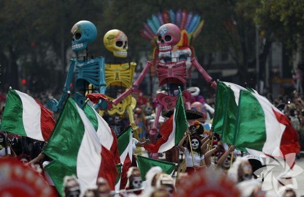 Her yıl kasım ayının ilk haftası gerçekleşen Ölüler Günü (Day of the Dead, Día de los Muertos) bu yıl da Meksiko'da düzenlendi.