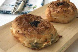 Ispanaklı peynirli gül böreği - Müjgan Yurtseven'den lezzetli bir tar...