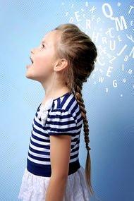 2 yaşından önce dijital ekrana uzun süre maruz kalmak, konuşma gecikmesine neden oluyor