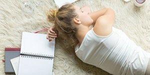 Uyku beynin gıdasıdır hele de ergensen…