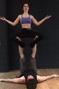 Canlı yayın: Acro Yoga nasıl yapılır?