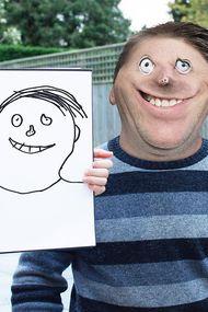 Oğlunun çizimlerini gerçeğe dönüştüren komik baba