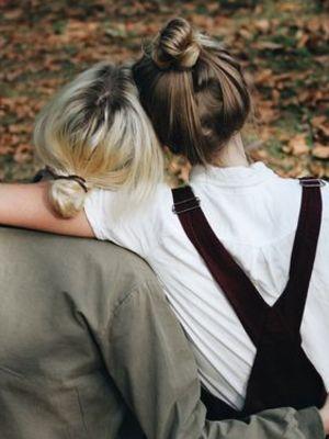 İlişkilerimizle biziz