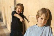 Ebeveynler için zorbalarla baş etme rehberi