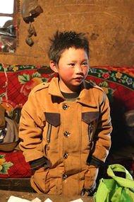 -9 derecede 4,8 km yürüyen buzdan çocuk