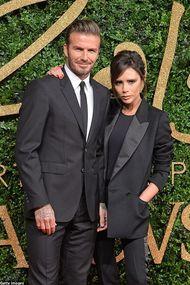 Beckham ailesi Victoria Beckham defilesinde