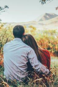 Bir ayağı çukurda ilişkiler nasıl hayatta kalır?