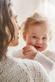 'Bebeğim kilo alıyor mu?' diye değil, 'Bebeğim mutlu mu?' diye sorun